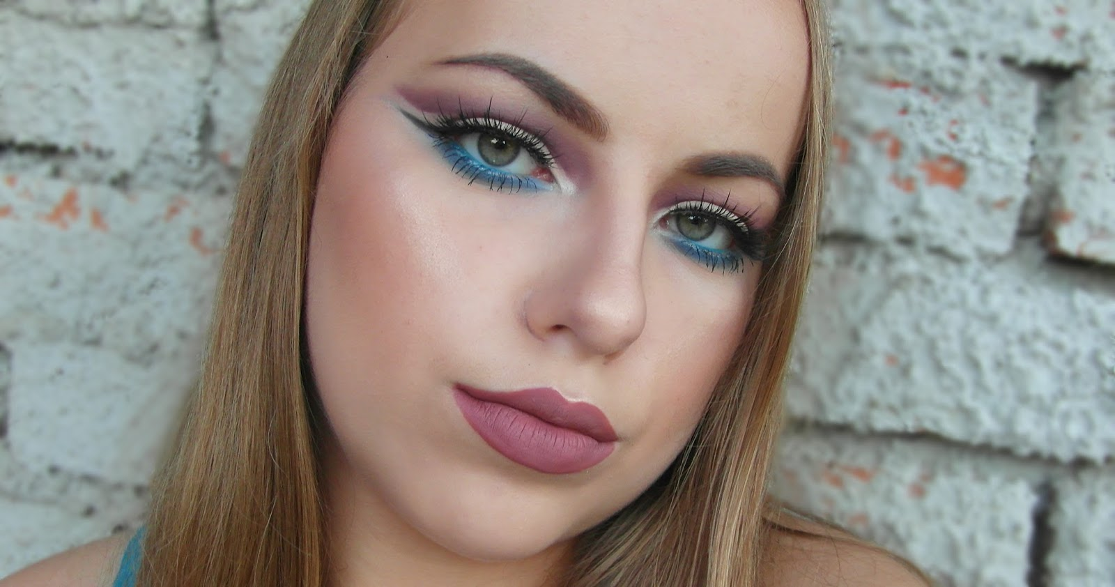 Cut crease with a pop of color