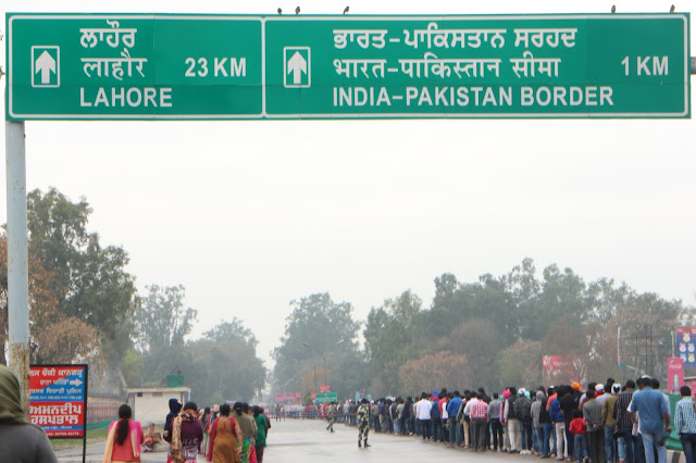 Amritsar, Punjab, India, Travelogue, Wagah Border, Attari Border, India Pakistan Border, Patriotic, BSF, Border Security Force, Pakistan Rangers