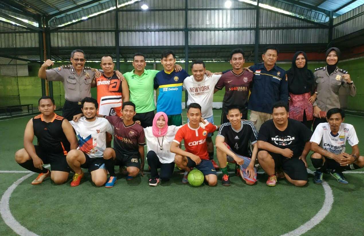 Memupuk Sinergitas dan persaudaraan, Polda Banten dengan Insan Pers melalui Futsal