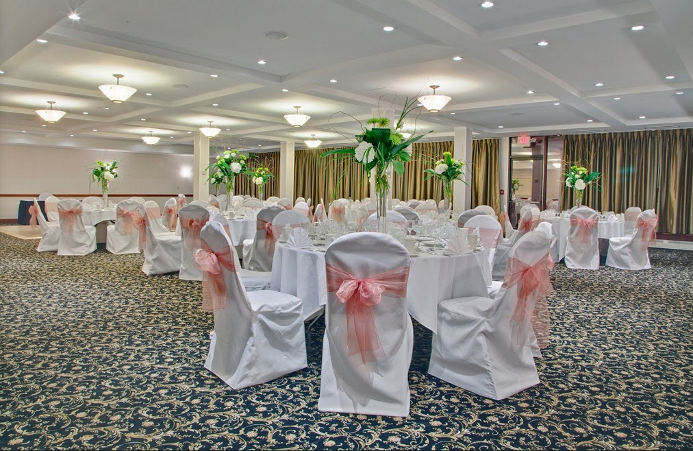 Holiday Inn Express Burlington Iowa Wedding Venue