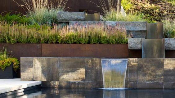 panza apa, in gradina moderna, firma amenajari gradini moderne