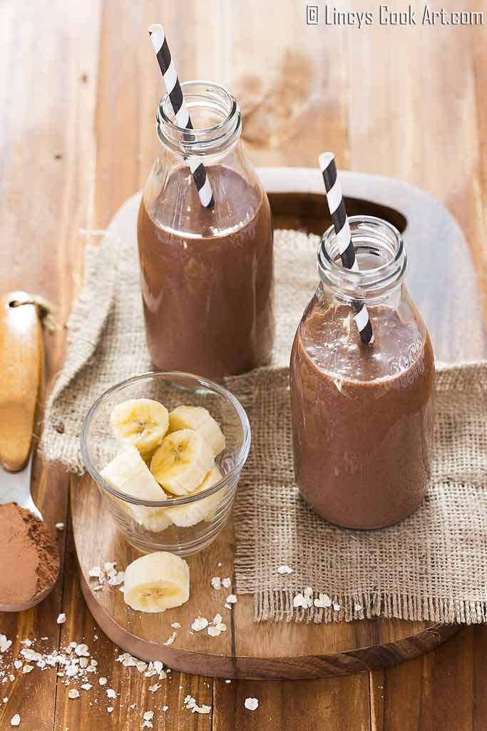 Chocolate banana protein smoothie recipe