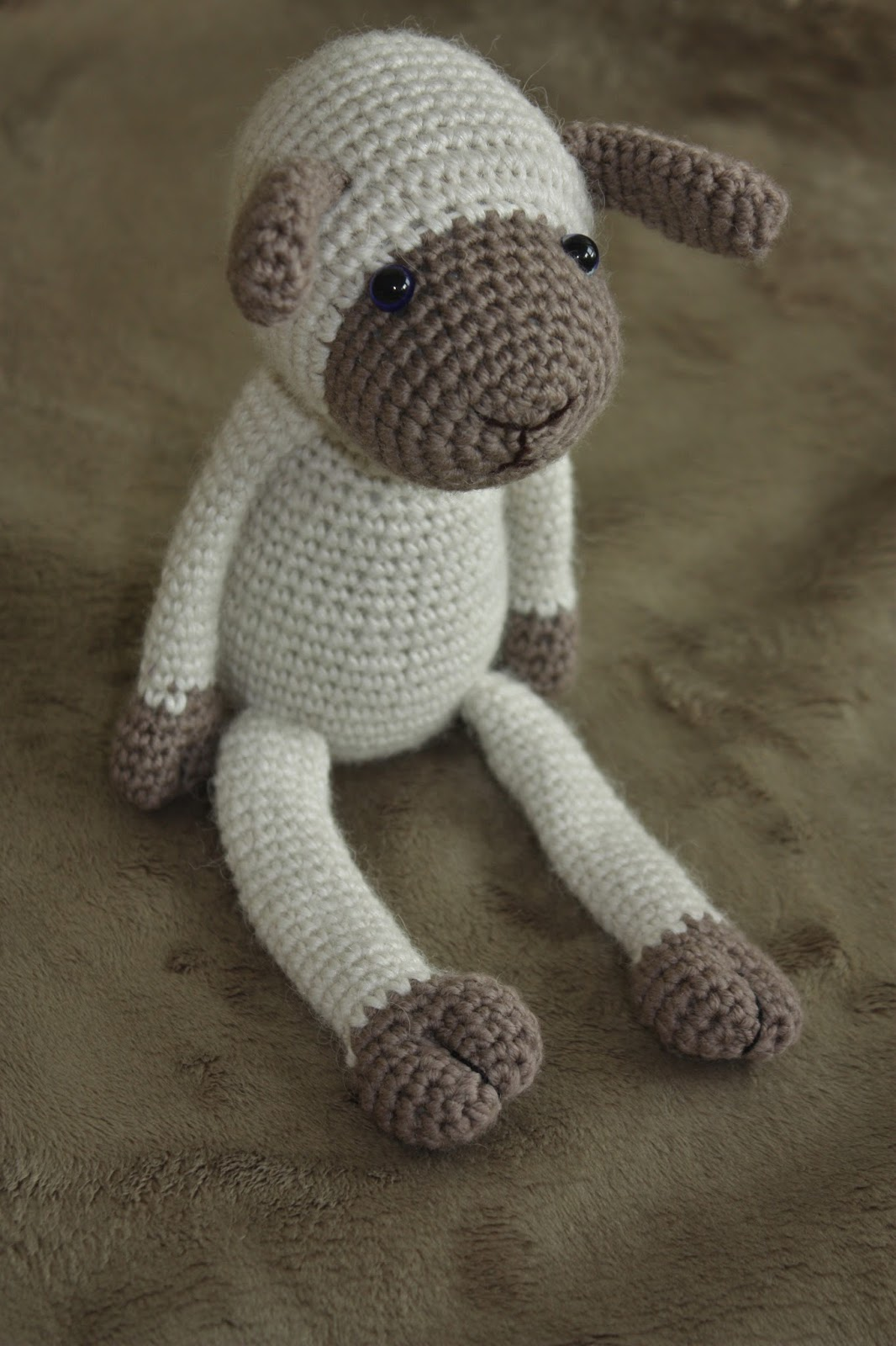 Amigurumi Lamb Pattern : Happyamigurumi: New Amigurumi Sheep Pattern