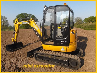 mini excavator hire gold coast