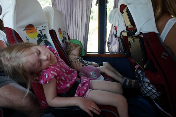 Matkapahoinvointia bussissa Himaresta Sarandeen