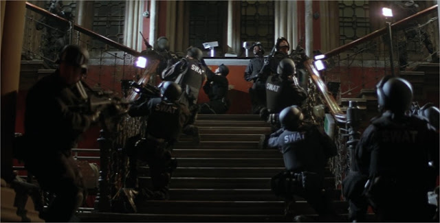 The Establishing Shot Christopher Nolan S Batman Begins