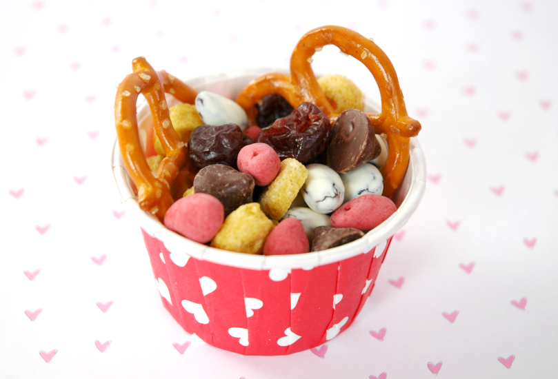 Valentine Snack Mix