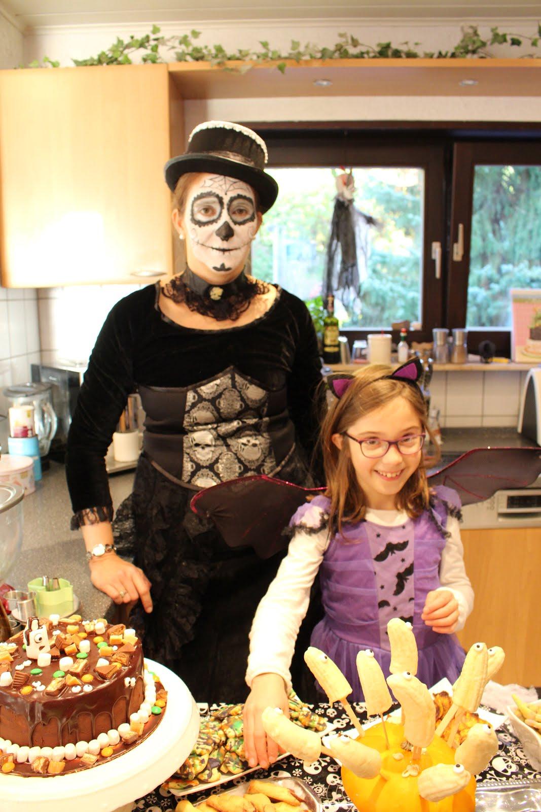 Yushka und Dorothea - Happy Halloween!