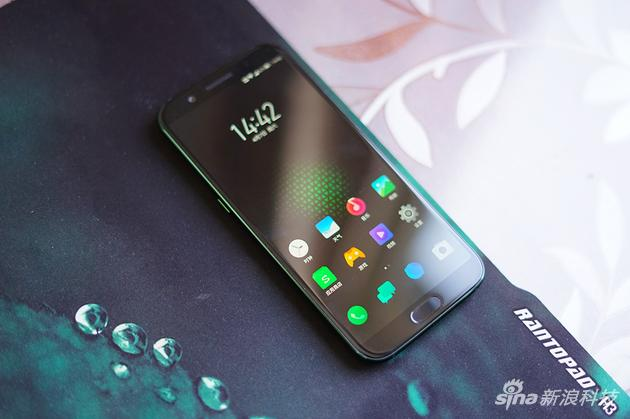 Xiaomi's Cool Blackshark Gaming Smartphone Hands On Images!