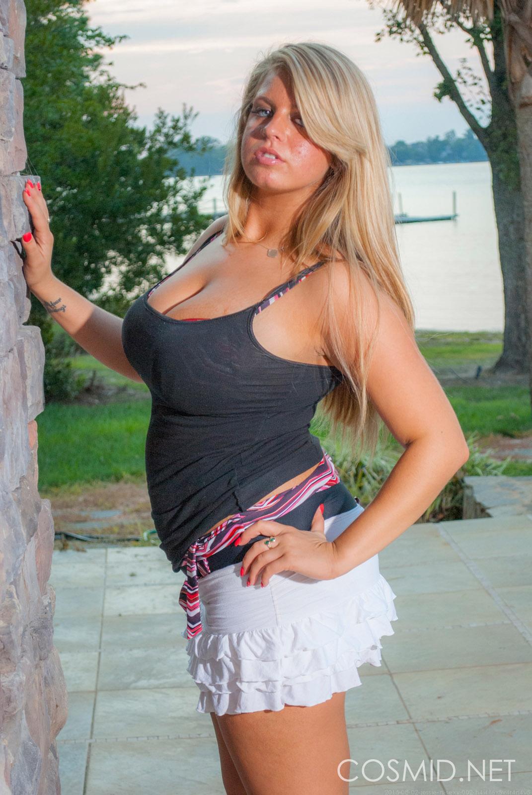 Queensized Beauties 2: Jessi Rhodes