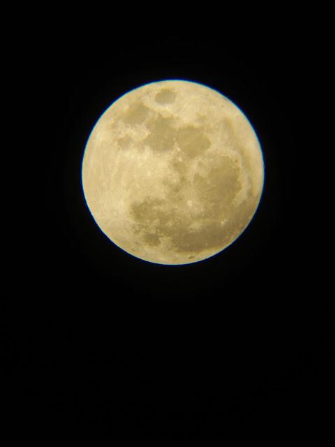 Mặt Trăng chụp bởi điện thoại di động tại Hậu Giang. Hình ảnh: Thanh Nhàn/Ftvh.