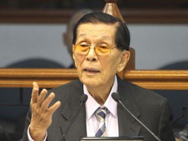 LOOK! I can put Noynoy behind bars sa kanyang pagtataksil !' —Enrile
