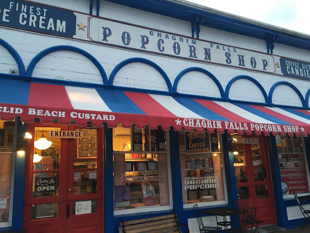 Venture & Roam: The Popcorn Shop in Chagrin Falls Ohio, Small Town USA, popcorn and candy