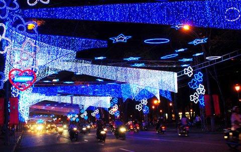 Le Loi Street a Ho Chi Minh City durante il Tet