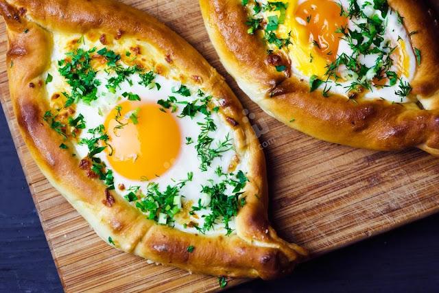 فطائر البيض والجبنة
