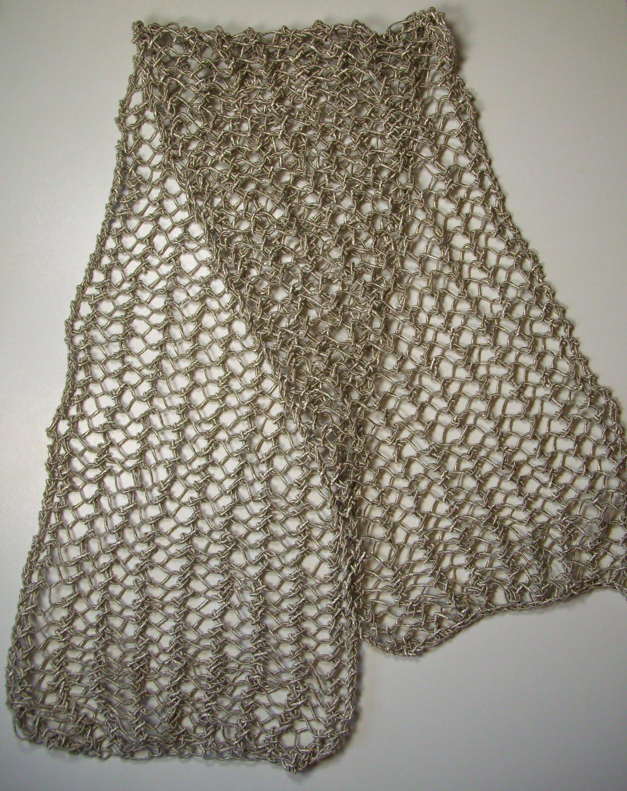 Nouvelle écharpe d été en maille filet (point de bourse, pour être  précise), tricotée en Amalfi (1 pelote suffit pour une écharpe courte)  f556f251227