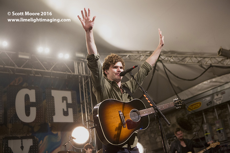 Covering the Limelight in ATX: Vance Joy And Elle King AT