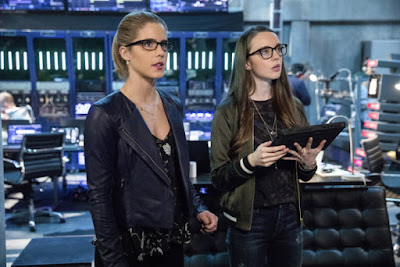 Arrow 5x18 Disbanded Felicity Smoak promo pic