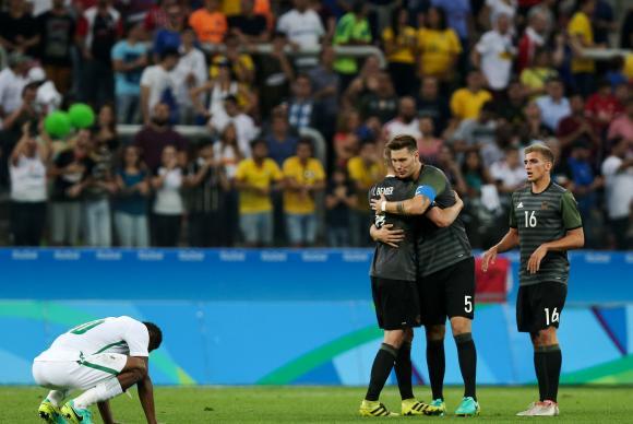 Alemanha vence e enfrenta Brasil dois anos após 7 a 1