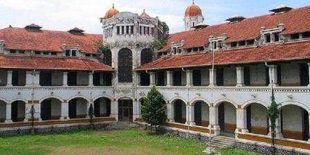 Lawang Sewu, Bagunan Tua Peninggalan Sejarah Dengan Keunikan Yang Berada di Tengah Semarang Kota