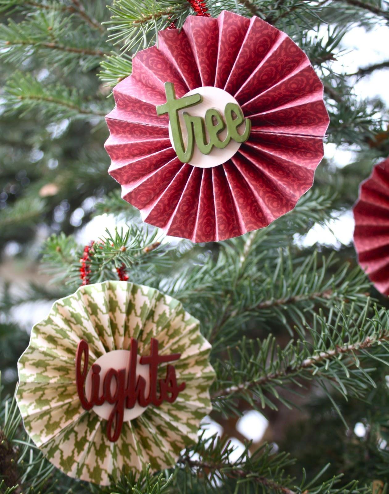 Christmas Paper Medallion Ornaments - Design Dazzle