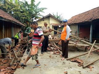Korban dan Kerusakan Bangunan Bertambah Akibat Gempa 6,9 SR