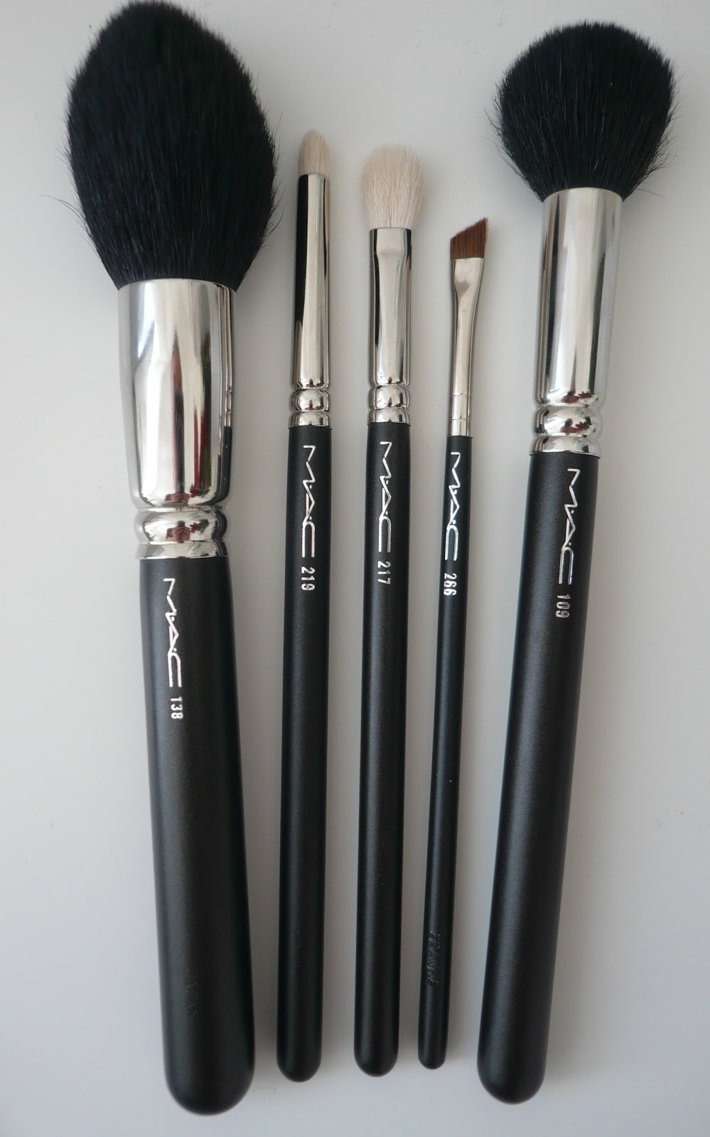 Makeup Brushes And What They Are Used For: Anna6Belle: My Top 5 Must Have Mac Brushes