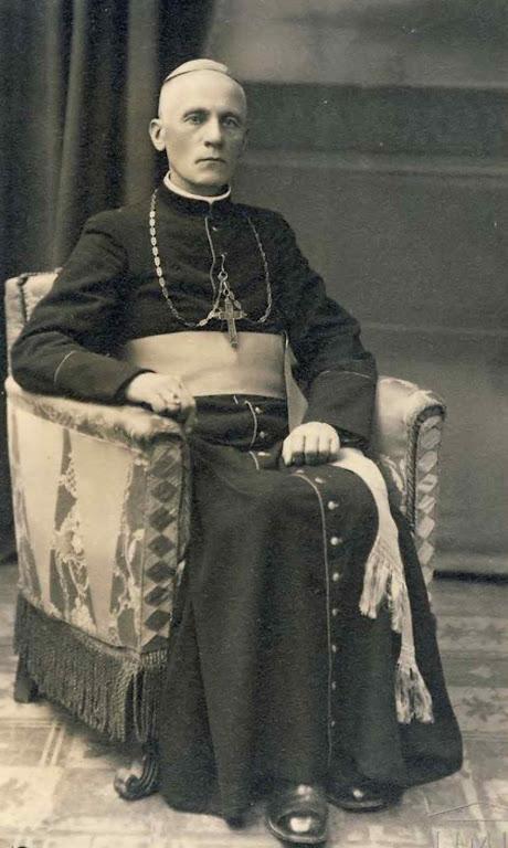 D. Teófilo Matulionis: alta consciência da dignidade episcopal ufania desafiante face ao anticristo comunista.