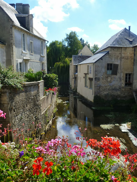 http://www.tripadvisor.co.uk/Tourism-g187181-Bayeux_Calvados_Basse_Normandie_Normandy-Vacations.html