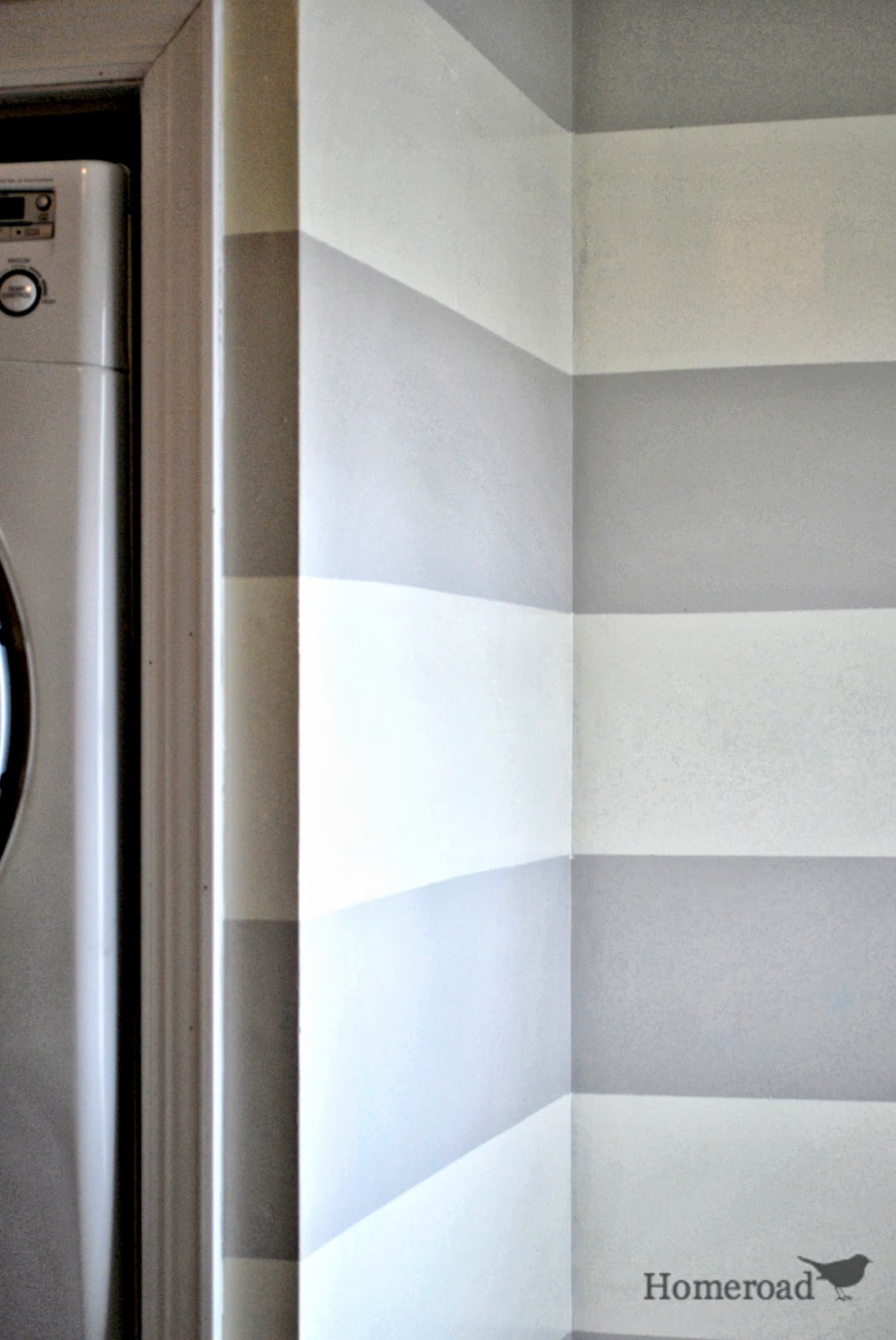 Striped Walls in the Bathroom | Homeroad