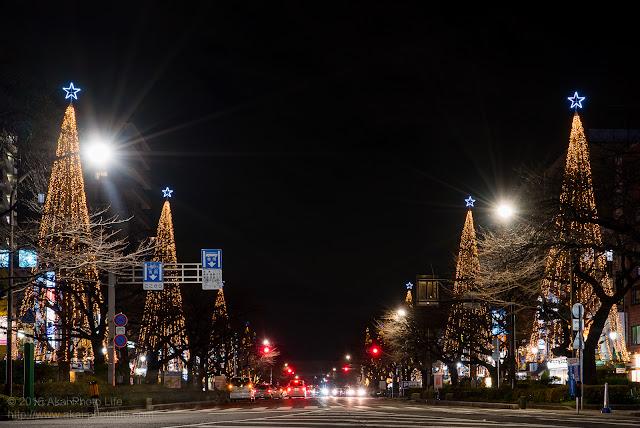 国立駅前、大学通りのイルミネーション