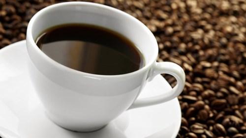 Tránh những đồ uống có chứa cafein khi bị viêm xoang