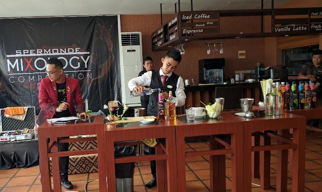 Cari Bartender Yang Berbakat, Hotel Santika Gelar Mixology Competition