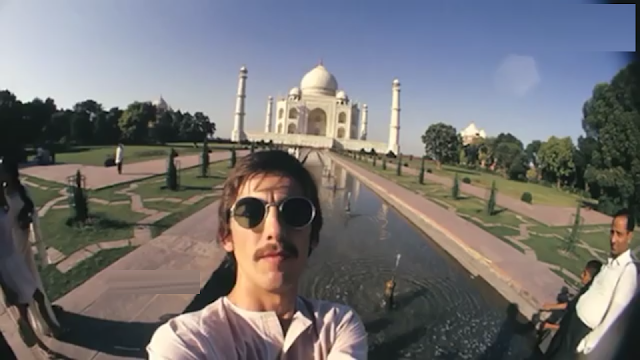 The mysterious words of the Taj Mahal
