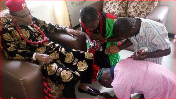 Biafrans are saying Nnamdi Kanu's handshake healed a man of stomach pain