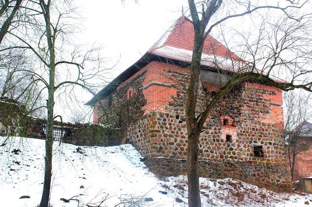 Troki - ruiny zamku na półwyspie