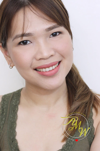 a photo of Nikki Tiu AskMeWhats wearing Pink Sugar Lip & Cheek Tints Love Bug