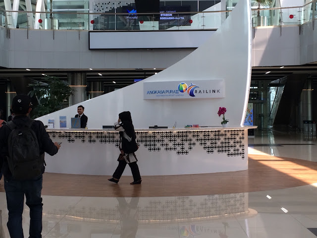 'stasiun bandara soekarno hatta'