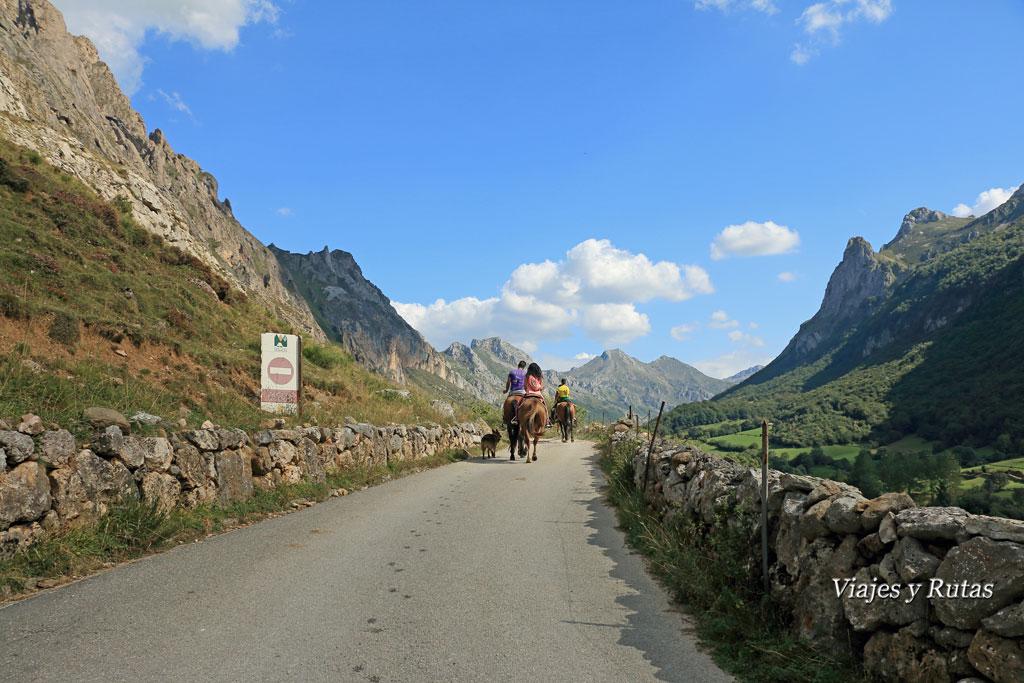 Punto de inicio de Ruta del Valle del Lago, Asturias