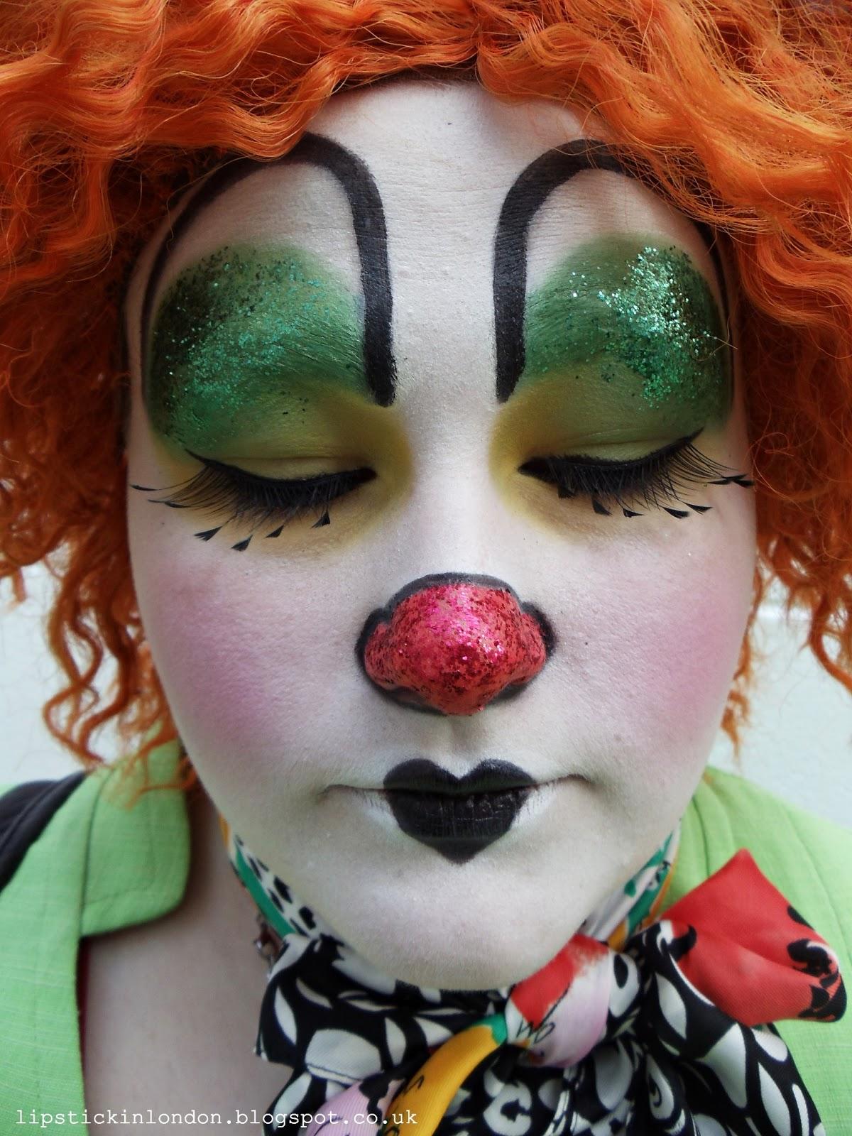 lipstick in london clown make up look. Black Bedroom Furniture Sets. Home Design Ideas