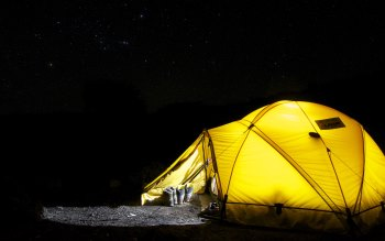 Wallpaper: Camping with tent in the night with stars above