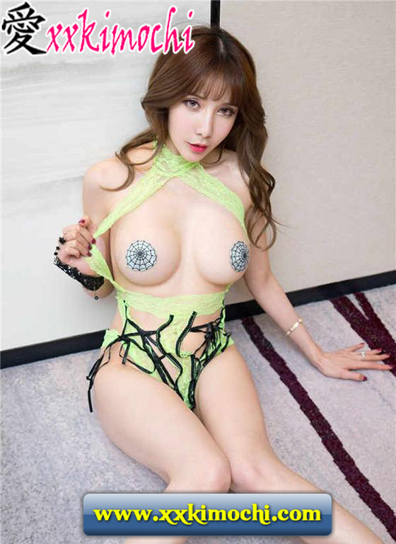 Foto Model Seksi dan Hot Asal China Bernama Zeng Shui 曾水 10