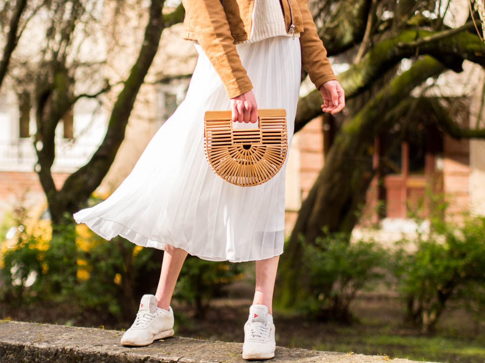 spring-outfit-fashion-blogger-neutral-beige-tones