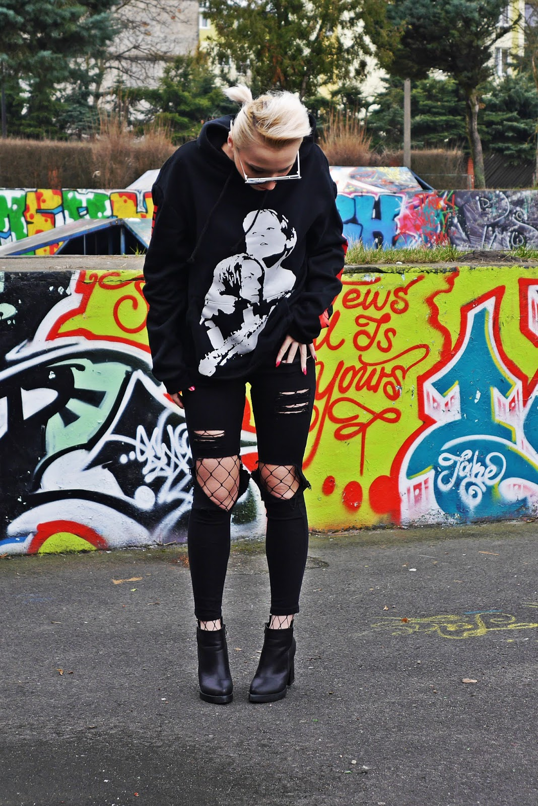 black_pants_hoodies_titanic_coming_soon_karyn_blog_210317b