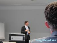 3 Hal yang Sebaiknya Kamu Tahu agar Dapat Membedakan antara Listen dan Hear.