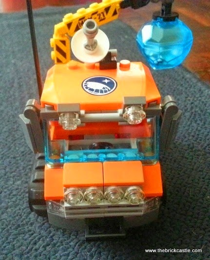 LEGO City Arctic Ice Crawler 60033 Review front view of vehicle cab