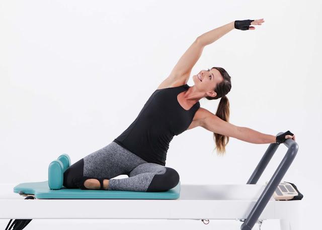 Trượt tay trên thảm tập Yoga nổi lo của các Yogi