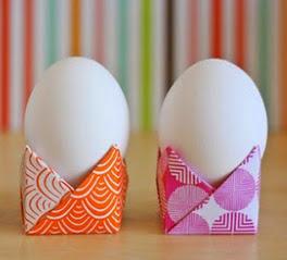 http://translate.googleusercontent.com/translate_c?depth=1&hl=es&rurl=translate.google.es&sl=en&tl=es&u=http://howaboutorange.blogspot.com.es/2014/04/easy-origami-egg-holders.html&usg=ALkJrhgqJvSI5Qr_sMK8GkVoIW9IDlynEg
