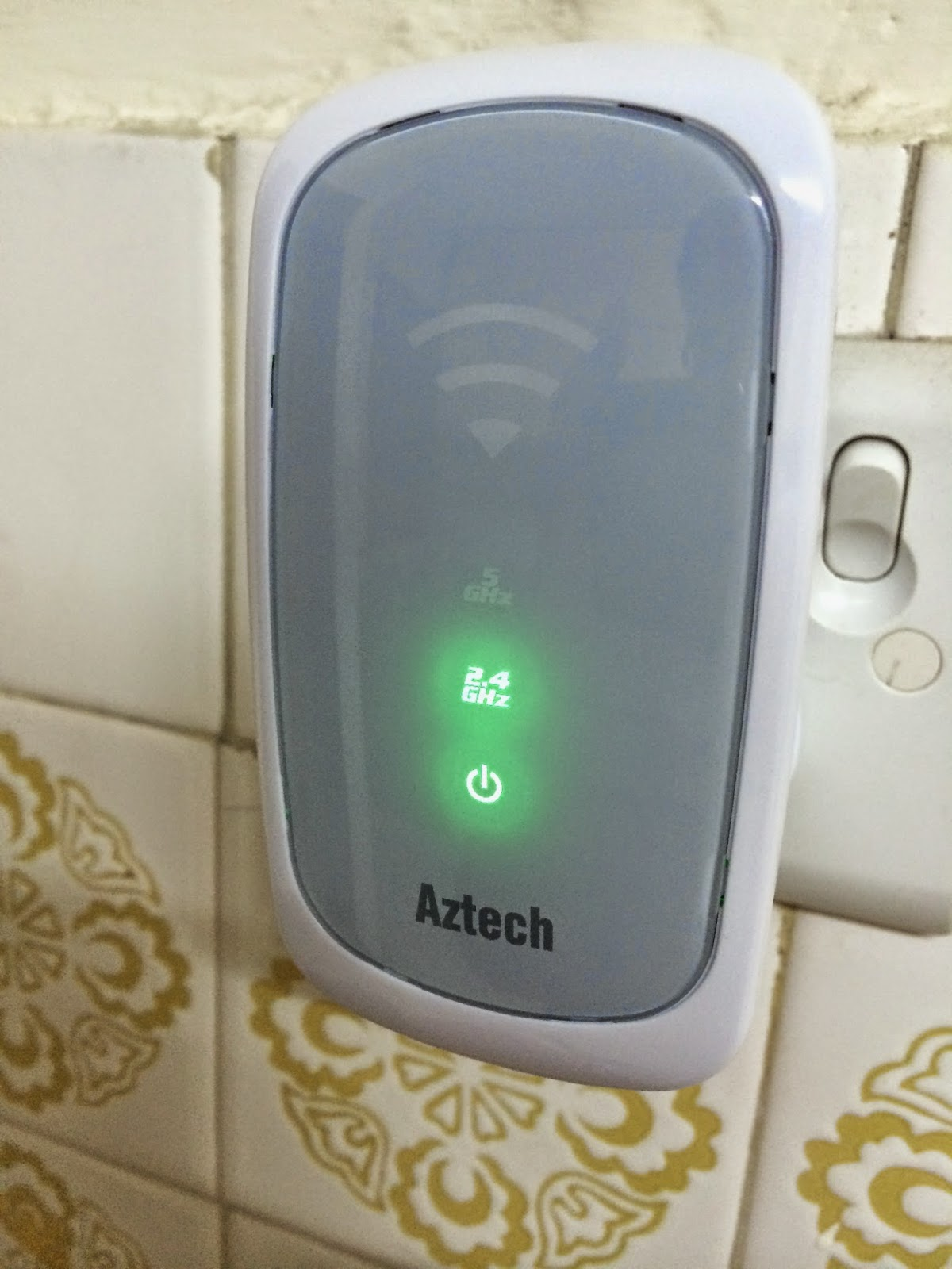 Unboxing & Review: Aztech WL580E Repeater
