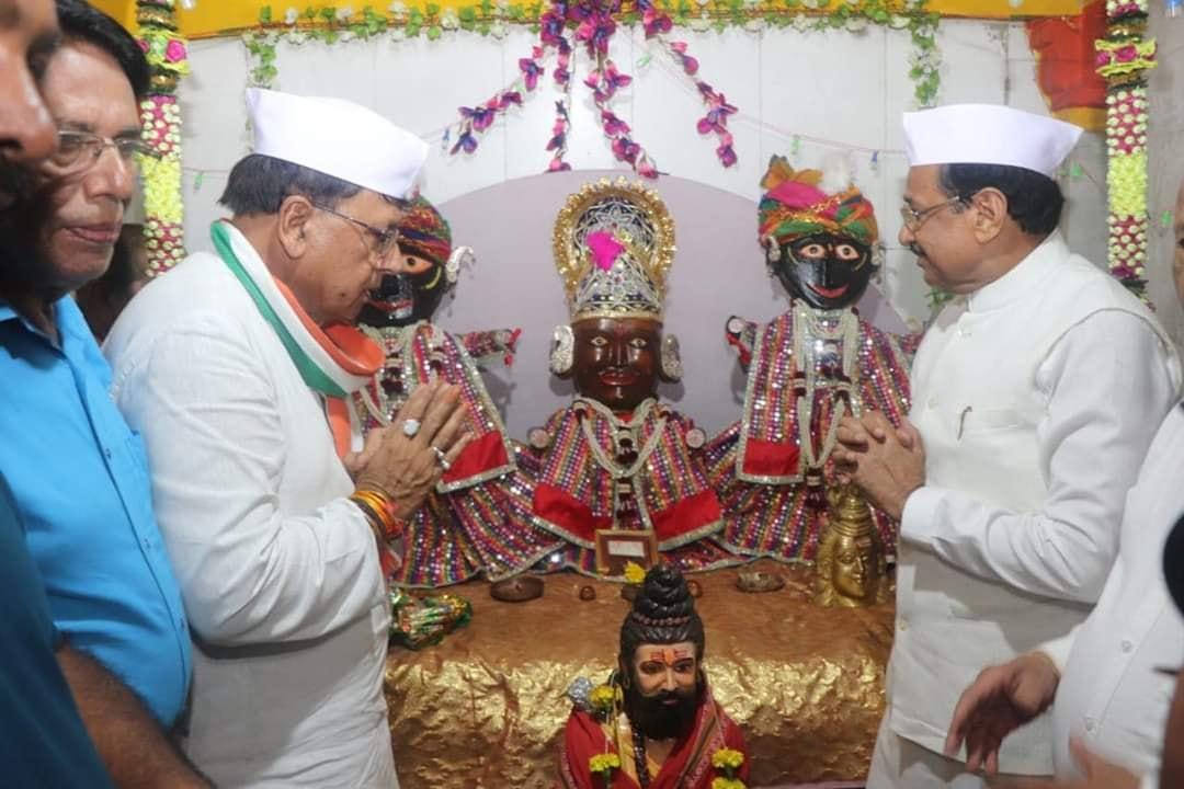 Jhabua News- जनसम्पर्क मंत्री पीसी शर्मा ने मीडिया प्रतिनिधियो से चर्चा कर शासन की योजनाओ के बारे बताया